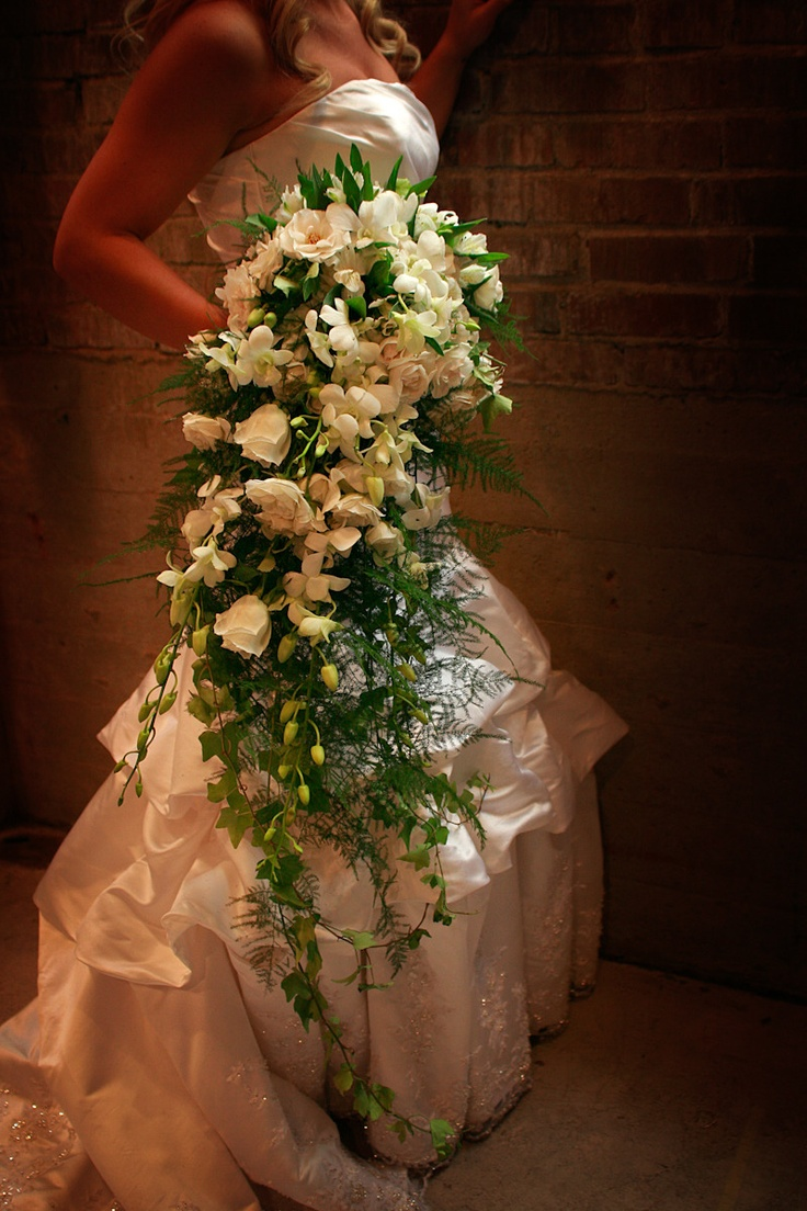 1000  Images About Cascading Wedding Bouquets On Pinterest
