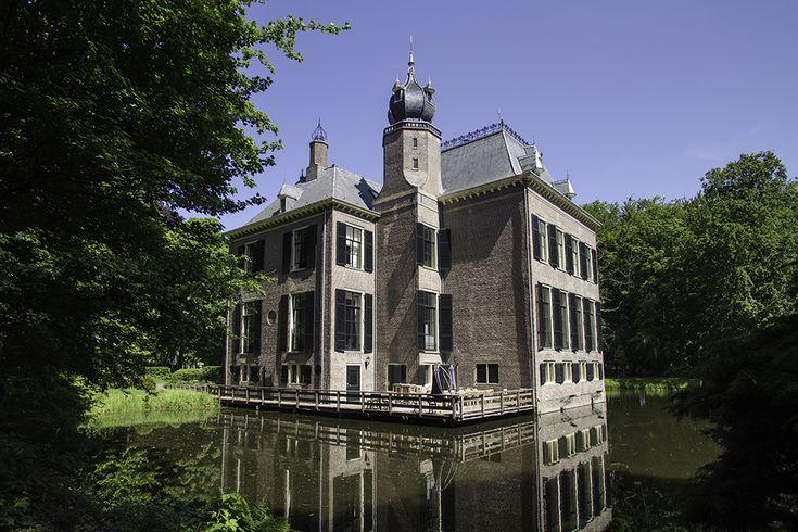 Kasteel oud Poelgeest, kasteel zelf vergaderzalen, maar landgoed te bezoeken.