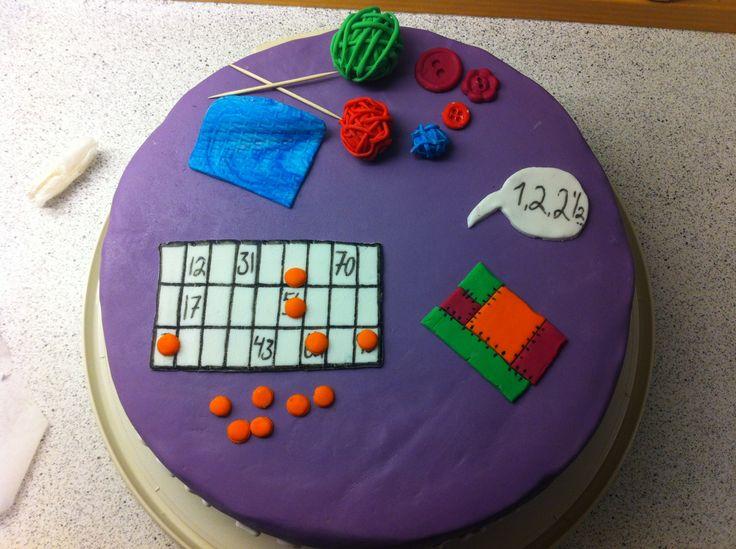 Fødselsdagskage til moster Bingo kage :) og håndarbejde