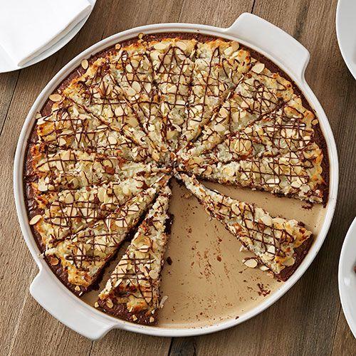 Chocolate Macaroon Pizza