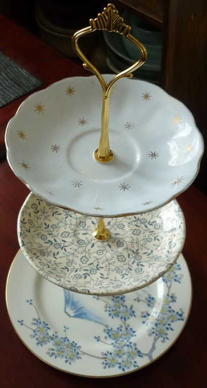 DIY cake stands using plates