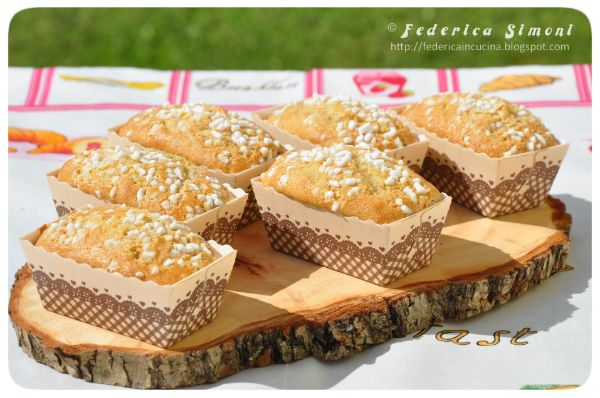 Mini plumcake con farina integrale e yogurt http://federicaincucina.blogspot.it/2016/06/mini-plumcake-con-farina-integrale-e.html