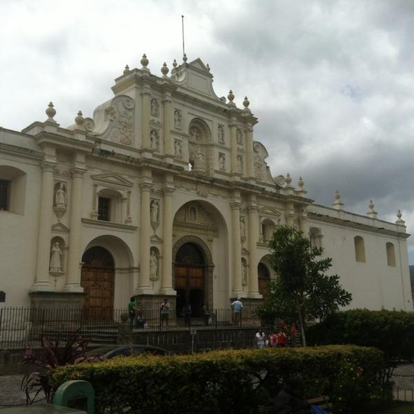 Foto tomada en Parque Central de La Antigua Guatemala por Roxana E. el 8/5/2013
