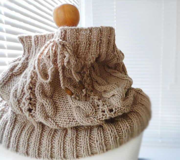 Cowl-scarf-knitted cowl-knitted scarf-warm scarf-wool scarf-accessories-knitted accessory-chunky cowl-infinity cowl-fashion cowl