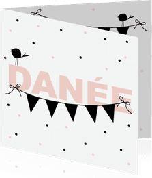 De trend van 2016; vlaggetjes en zwart/wit. Lief met confetti en vogeltjes. #geboortekaartje