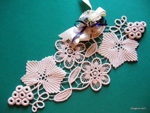We explain the MACRAME 'ROMANIAN (Models with drawings): Bunches of grapes, vine leaf
