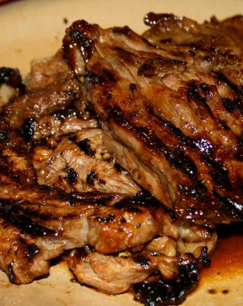 Recipe for Korean Barbecue Beef - This is a fabulous Korean Barbecue recipe, especially for those that are inexperienced with Asian cooking. This recipe is easy and has the delish Asian flavor you expect. The kiwi works as a tenderizer.
