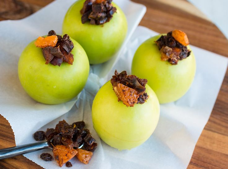 Apples stuffed with Christmas