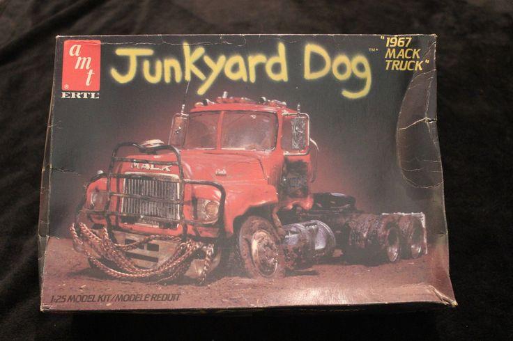 Amt ertl 6653 junkyard dog 1967 mack truck 1/25 scale ...