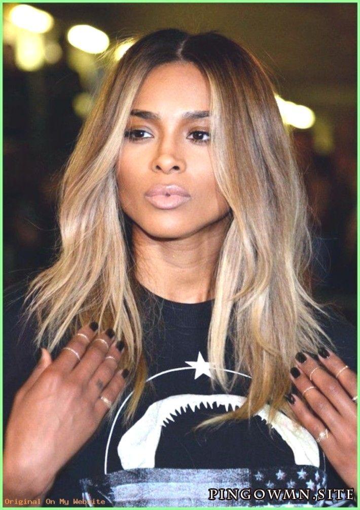 Haarschnitt Mittellange Damenfrisuren Halblanges Ciara Schwarzes T Shirt Hellbraun Trendige Frisuren Haarschnitt Frisuren Halblang