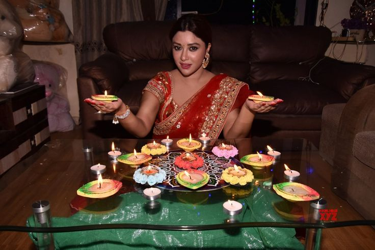 Mumbai: Payal Ghosh during the special shoot on the occasion of Diwali - Social News XYZ