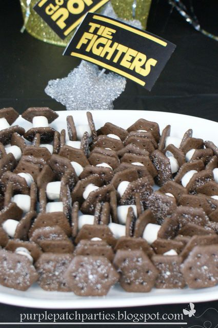 Cookie Tie Fighters from a Star Wars party #starwars #tiefighter