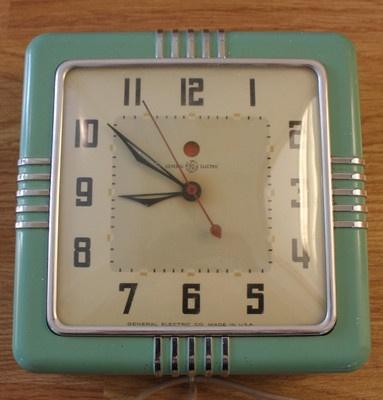 Vintage Jadiete Green Kitchen Clock