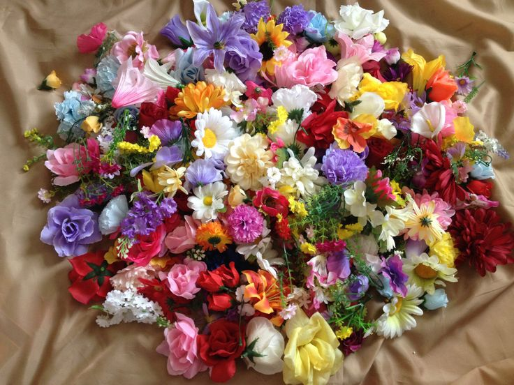 51 best haloween ideas images on pinterest haloween for Flower heads for crafts