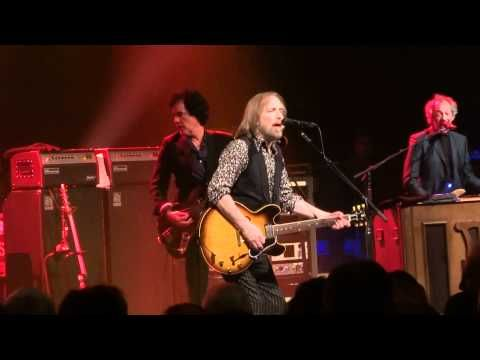 Tom Petty - Mary Jane's Last Dance - June 18th 2012 - Royal Albert Hall London UK. One of the all-time greats.