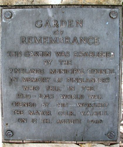 Plaque at North entrance to Pinelands Park by DanieVDM, via Flickr