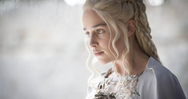 Emilia Clarke promet les plus grands moments de la télévision pour la saison 6 de Game of Thrones #GoT