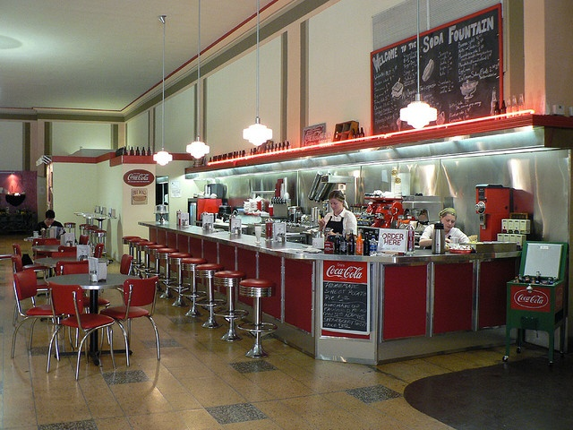 78 best images about unusual places on pinterest pierre for Old fashioned soda fountain near me