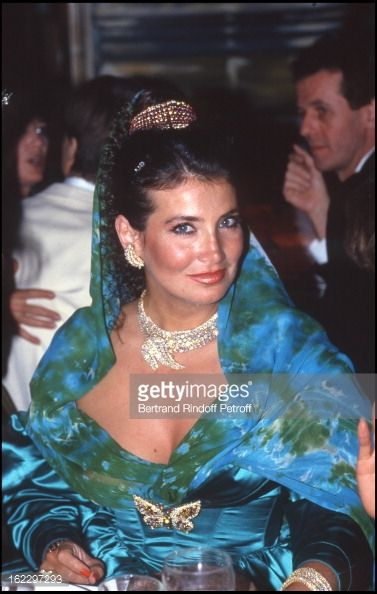 Adnan Khashoggi's wife Lamia at the 'Bains... #lamia: Adnan Khashoggi's wife Lamia at the 'Bains Douche's in Paris, 1987. (Photo by… #lamia