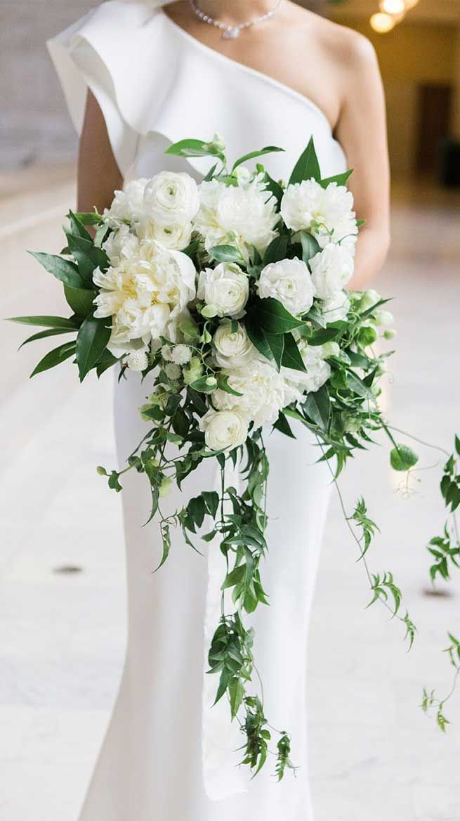 The Prettiest Wedding Bouquets 2020 Cascading Wedding Bouquets
