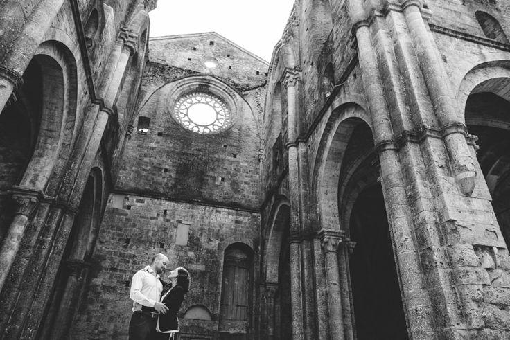 Engagement a San Galgano - Contattami per i tuoi ritratti di coppia