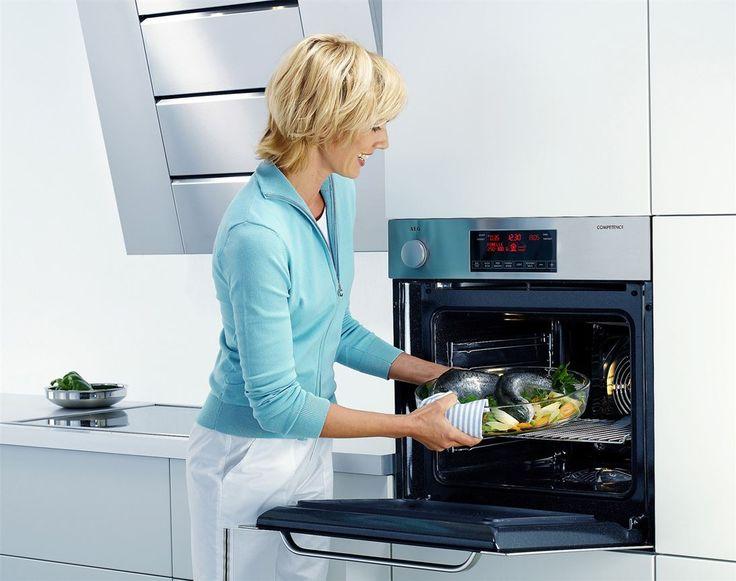 Feil vifte på kjøkkenet kan føre matlukten på ville veier. - Mange kjøkkenvifter bråker også for mye, mener Byggforsk.