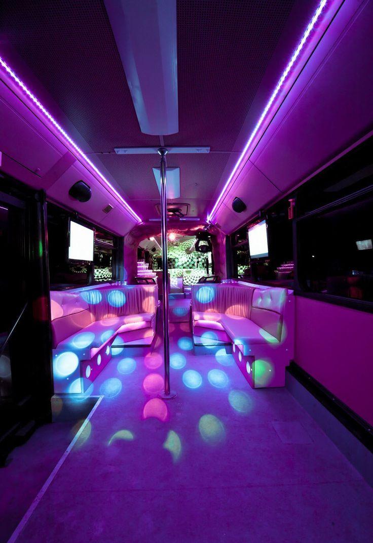 Partybusz bérlés lánybúcsúra! A legexkluzívabb és legkülönlegesebb party helyszín Magyarországon, az Eveningstar Partybus-nál!