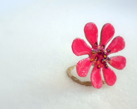handmade Ring made of brass  fuxia  daisy  hand by violettstyle, €17.38