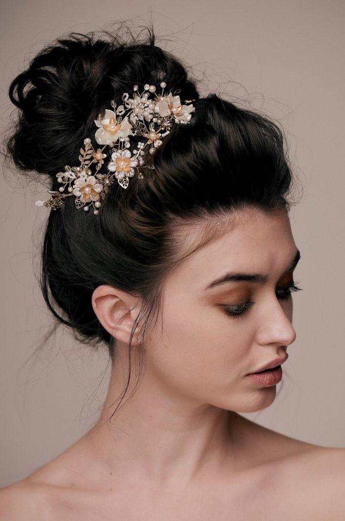 1001 Modeles Feeriques De Coiffure De Mariage Pour Cheveux Longs Chignon Haut Mariage Coiffure Mariage Modele Coiffure