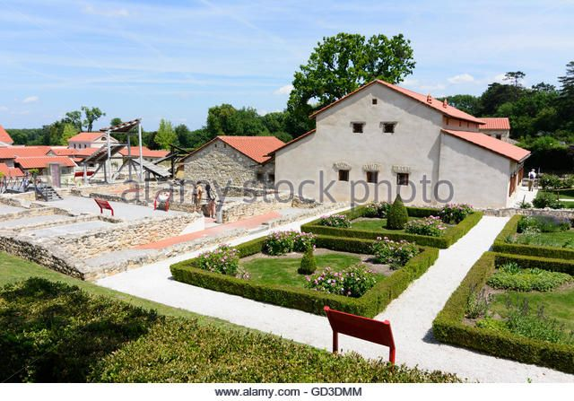 Petronell-Carnuntum: Archaeological Park Carnuntum : reconstruction of the house of Lucius, Austria, Niederösterreich, - Stock Image