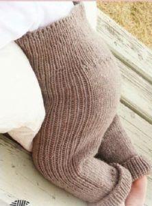 Теплые вязаные детские штанишки