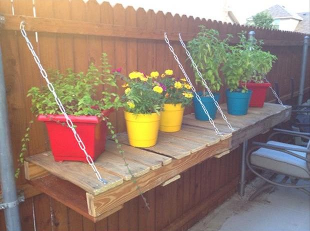 28 Amazing Uses for Old Pallets - need to go through these  and see if there are any good ones I haven't seen - like the plant shelf here! (repin) #upcycle #pallet