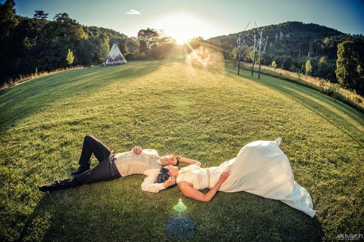 """Romantische Auszeit für Sie & Ihrer/Ihren Liebsten Verbringen Sie romantische Zweisamkeit mit Ihren Liebsten in Mitten der Natur.Verwöhnen Sie sich und Ihren Partner mit unserem Package!Gibt es einen besseren Weg """"ich liebe dich"""" zu sagen? www.tierischer-urlaub.com - Urlaub mit Hund oder Katze"""