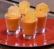 Recette - Mousse de tomate et tuile au parmesan - Notée 4.5/5 par les internautes