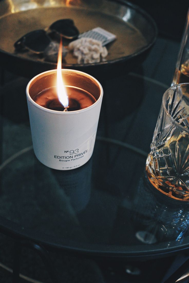 Marie-Stella-Maris Scented Candle No. 93 Edition Privée. Characteristic, warm, woody and smoky.