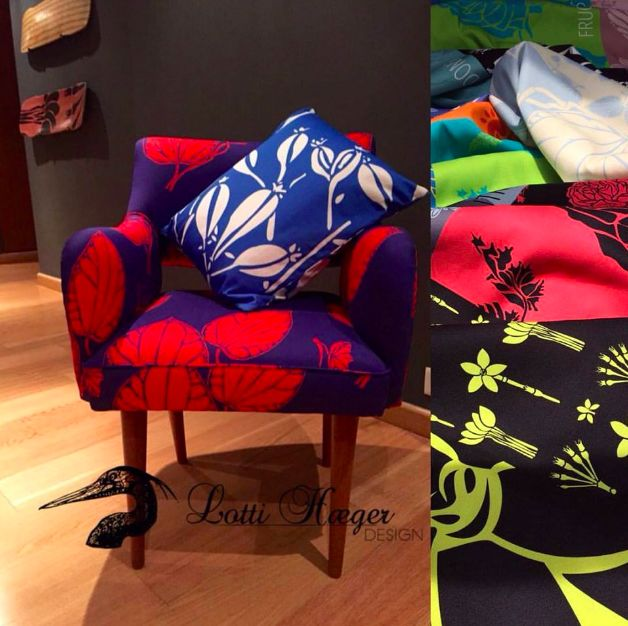 The chair that found just the right place/ la silla que encontró el sitio ideal#lottihaeger#architecture #arquitectura #flowers#pattern#colorful #colour #color #textiles #inredning #design#designer #decoration #decorating#decor#fabric #furniture#chair#homedecor #homedesign #decor #deco