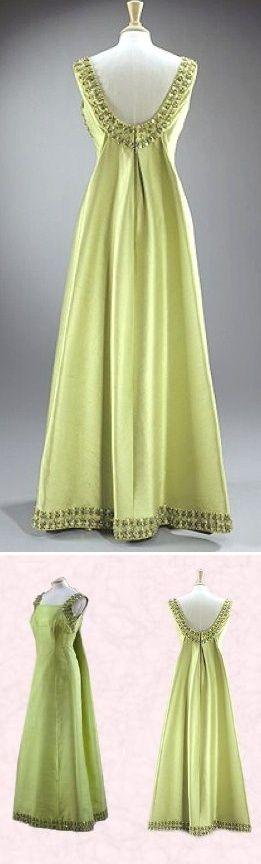 queen elizabeth 2 gowns | Gown Worn by Queen Elizabeth II Visiting Ethiopia Norman Hartnell ...