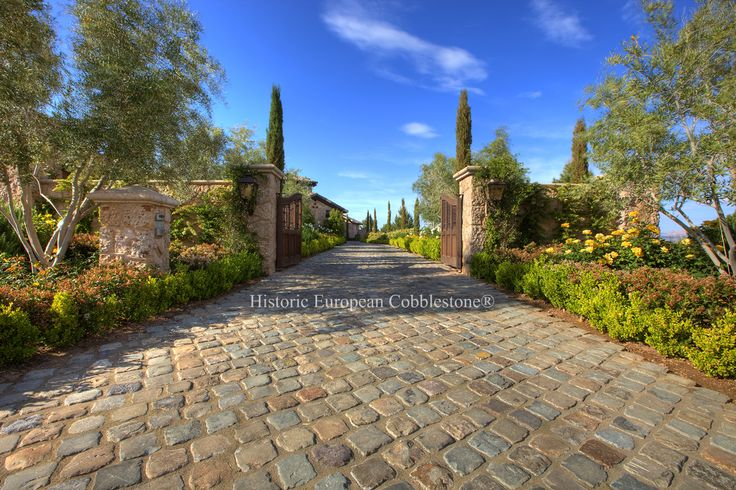 01. Antique Sandstone Cobblestone 6x6, Lake Las Vegas, NV