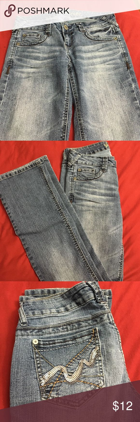 Wallflower Jeans Wallflower Jeans with cute back pockets/ slight flare Wallflower Jeans Flare & Wide Leg
