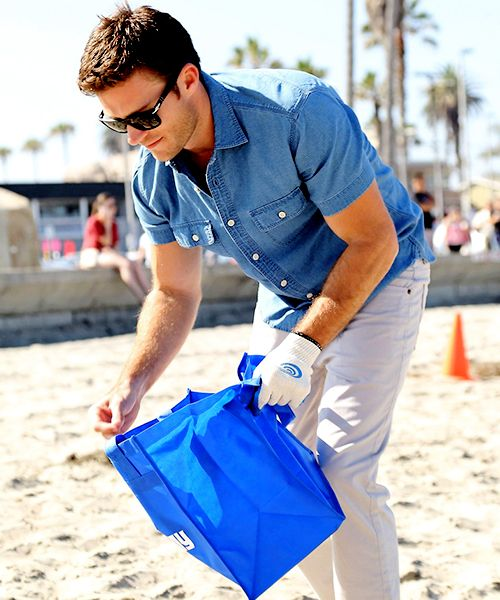 """"""" Scott Eastwood Helps Clean Ocean Beach Pier with Davidoff Cool Water on Sunday (July 10) in San Diego, California """""""