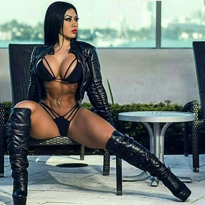 beautiful women nude latex