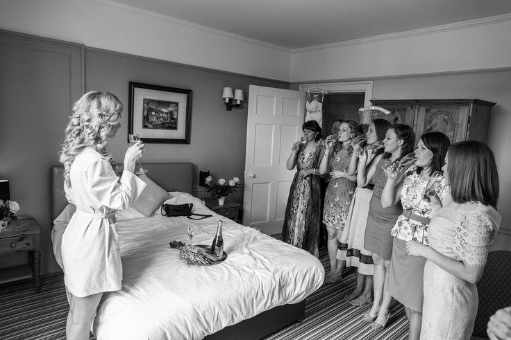 Bride preparation, champagne, brides mad