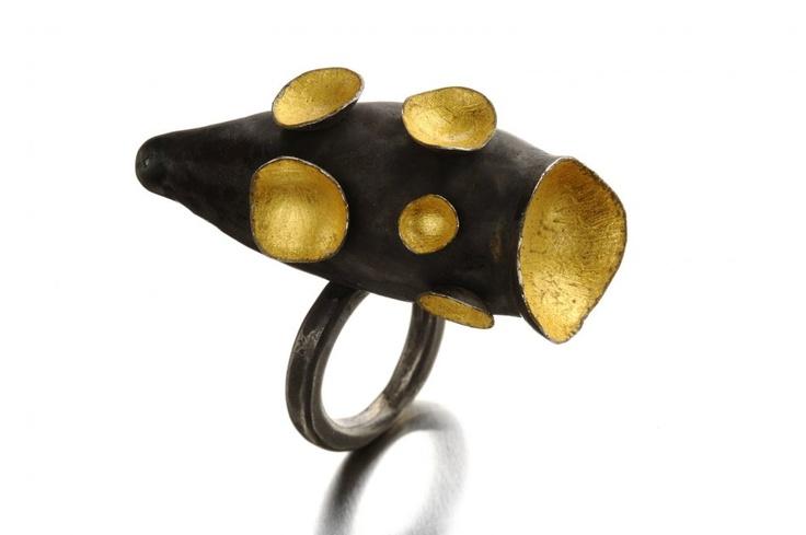 DANIELA BOIERI-ITALY - Ring: Hidden Eden, 2012 Silver, gold leaf