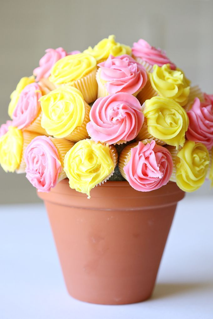 17 Best Ideas About Cupcake Flower Bouquets On Pinterest