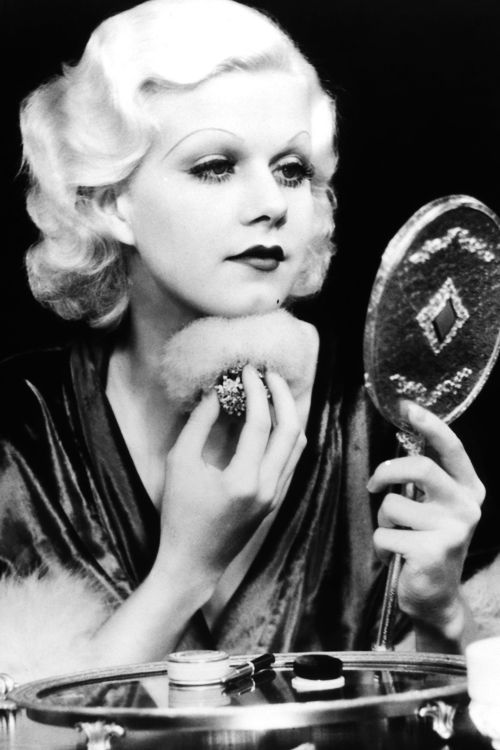 Definitely hanging this photo of Jean Harlow around my future vanity table!