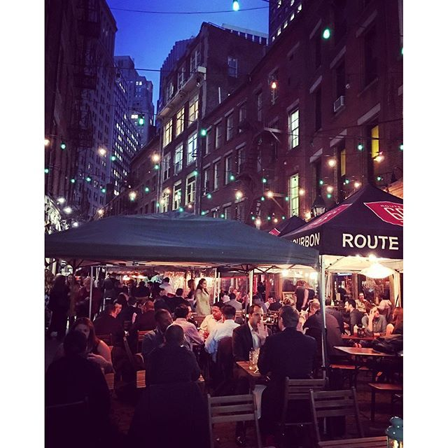 Spending the evening on Stone Street in New York. What a fun little street with great outside dining! #stonestreet #newyork #NYC #outsidedining #nyceats #adventure #livingthegoodlife #yourfutureyourworld