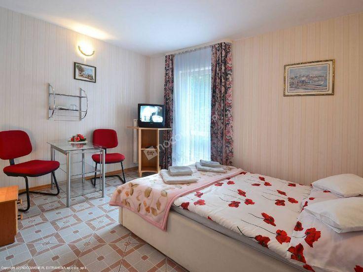 Pensjonat Victoria to sprawdzony obiekt w Krynicy Morskiej → http://www.nocowanie.pl/noclegi/krynica_morska/pensjonaty/25190/