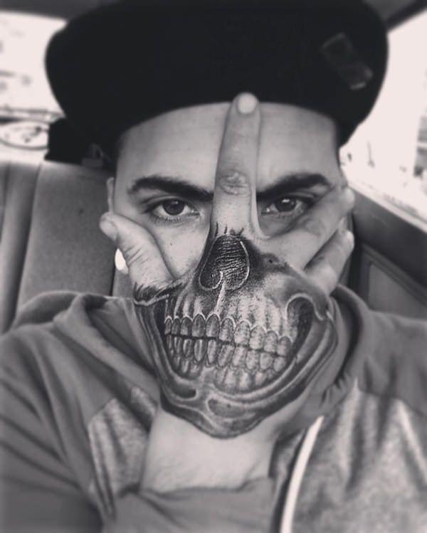 Hand Mouth Tattoo : mouth, tattoo, Skull, Tattoos, Absolutely, Menacing, Tattoo, Guys,, Tattoo,
