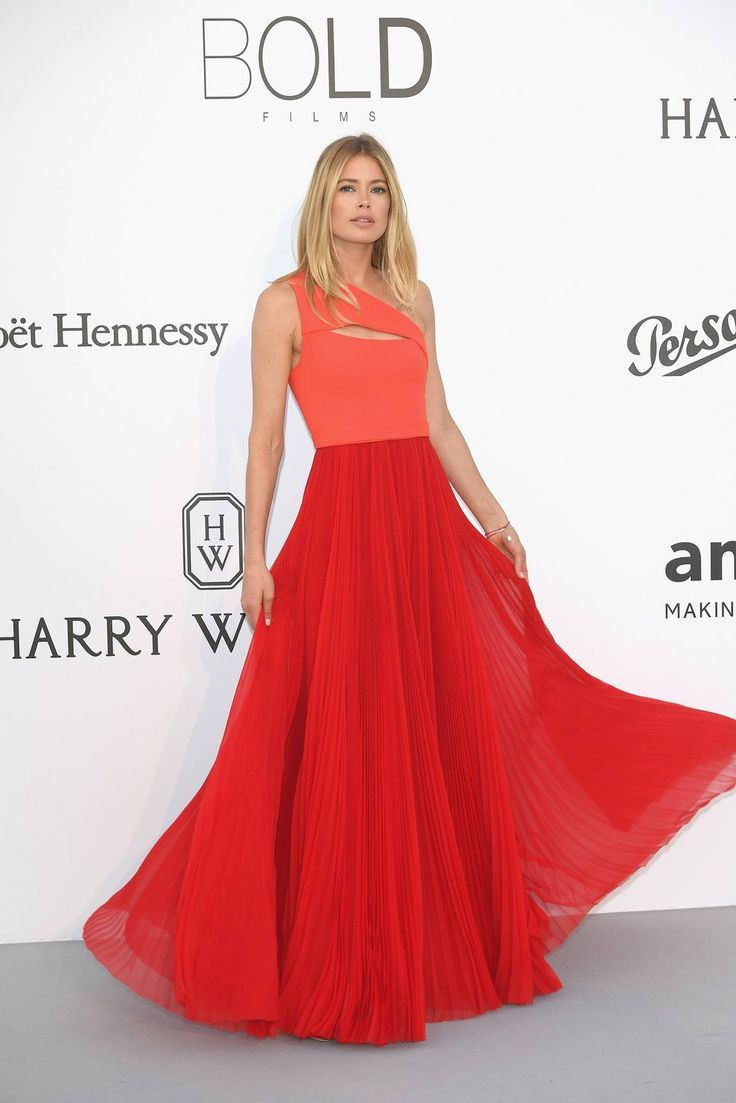 Doutzen Kroes wears a custom-made dress by BOSS to the amfAR Gala 2017 in Cannes
