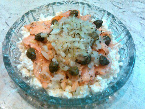 Salada de salmão defumado comricota